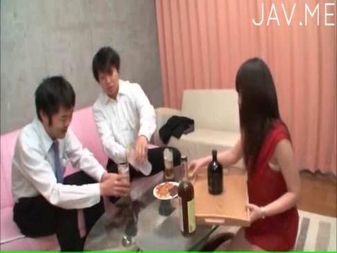 上司が脅迫して部下の奥さんを無理矢理犯している動画像無料