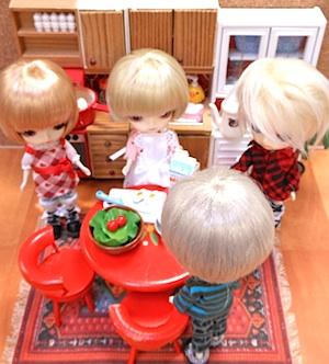 Rirrakuma-EggKitchen03.jpg
