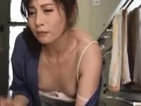 佐々木あき フェラ 熟女 手コキ 人妻 焦らし 美乳 淫乱 痴女
