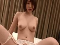 篠田ゆう キュート スレンダー 美女 爆乳 手マン ガーター 敏感 淫乱 絶頂 クンニ フェラ 手コキ