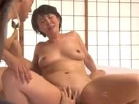 円城ひとみ フェラ 手マン ハーレム 3P 淫乱 巨乳 淫乱 人妻 敏感 絶頂