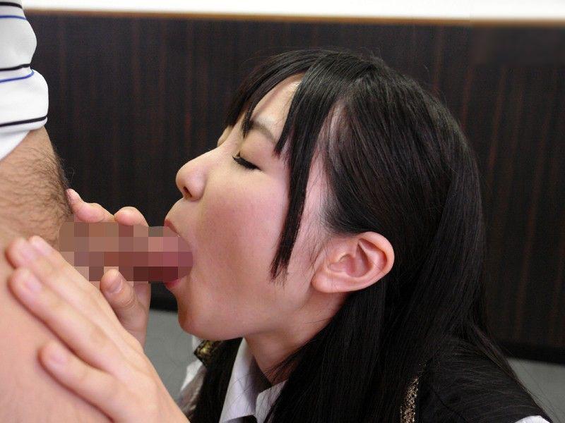 今どきの女子高生がエロすぎる!JKフェラチオ画像9