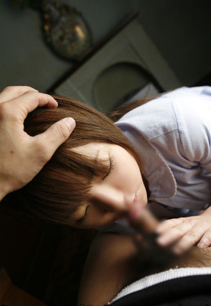 今どきの女子高生がエロすぎる!JKフェラチオ画像12