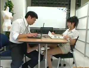 女上司さんが対面から足コキしてきたりフェラしてきたりで会議にならない・・・