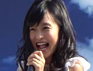 小島瑠璃子が魅せた!イジリー岡田を超える高速エロ舌運動「しかるべき時に出す」