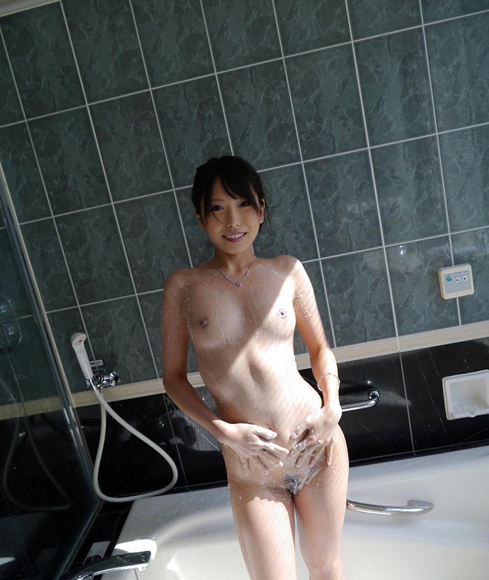 ハメ撮りする前にシャワー浴びてるかのようなエロ画像23