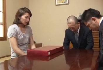 矢部寿恵営業マンに目をつけられた未亡人は3P陵辱レイプされる