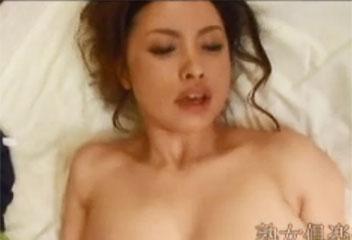 藤森綾子ノーパンパンストスナックのママと巨乳を揺らすセックス