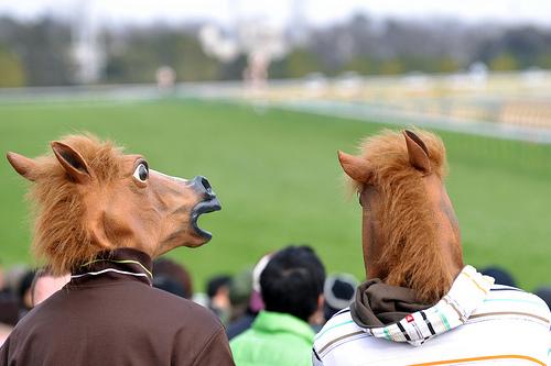 宝くじよりも競馬の方が不健全だという世間の印象