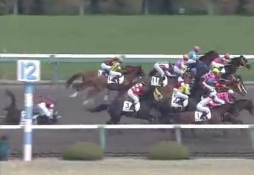 阪神2Rで川田落馬による小指骨折