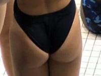 競泳水着が卑猥に食い込んだ美人水泳選手を盗撮【盗撮動画Nozoking】