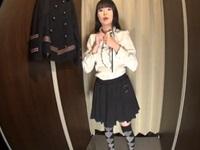 【無修正】若くて可愛い着エロモデルが更衣室でパイパンマンコのビラビラまで鮮明に盗撮される【世界の盗撮動画像】