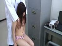 悪徳医師が患者を盗撮。医者の立場を利用して悪戯しすぎw【盗撮動画】