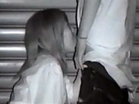 夜の繁華街の死角でフェラしてるバカップルを赤外線盗撮【盗撮動画Nozoking】