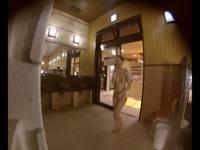 女風呂脱衣所でむっちり美乳OLさんを更衣室盗撮【盗撮動画のぞき本堂】