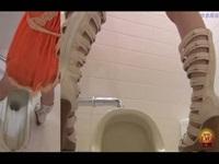 ああ惨め…突然の便意に襲われたギャルがトイレに駆け込むから後をつけたら便器からはみ出るほどの大量大便wwトイレが終わってゲリを拭く姿が…【みんなが抜いた盗撮動画】