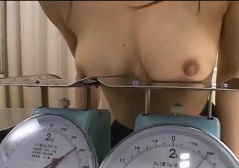 巨乳貧乳 最近は重さまで図る健康診断(^^♪