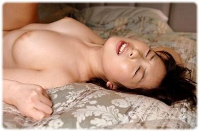 欲望に負けじと歯をくいしばる女たちの無料エロ画像00109