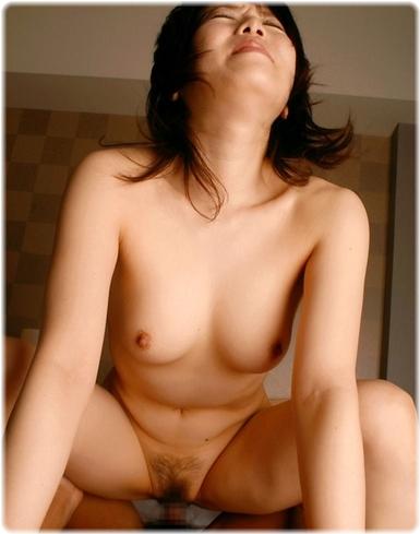 美女sex耐える無料エロ画像0057