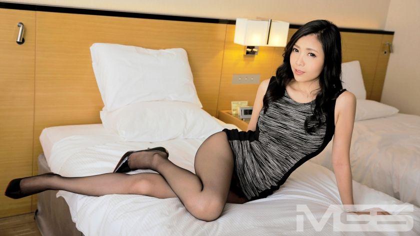 安室小雪 36歳 経営者 01