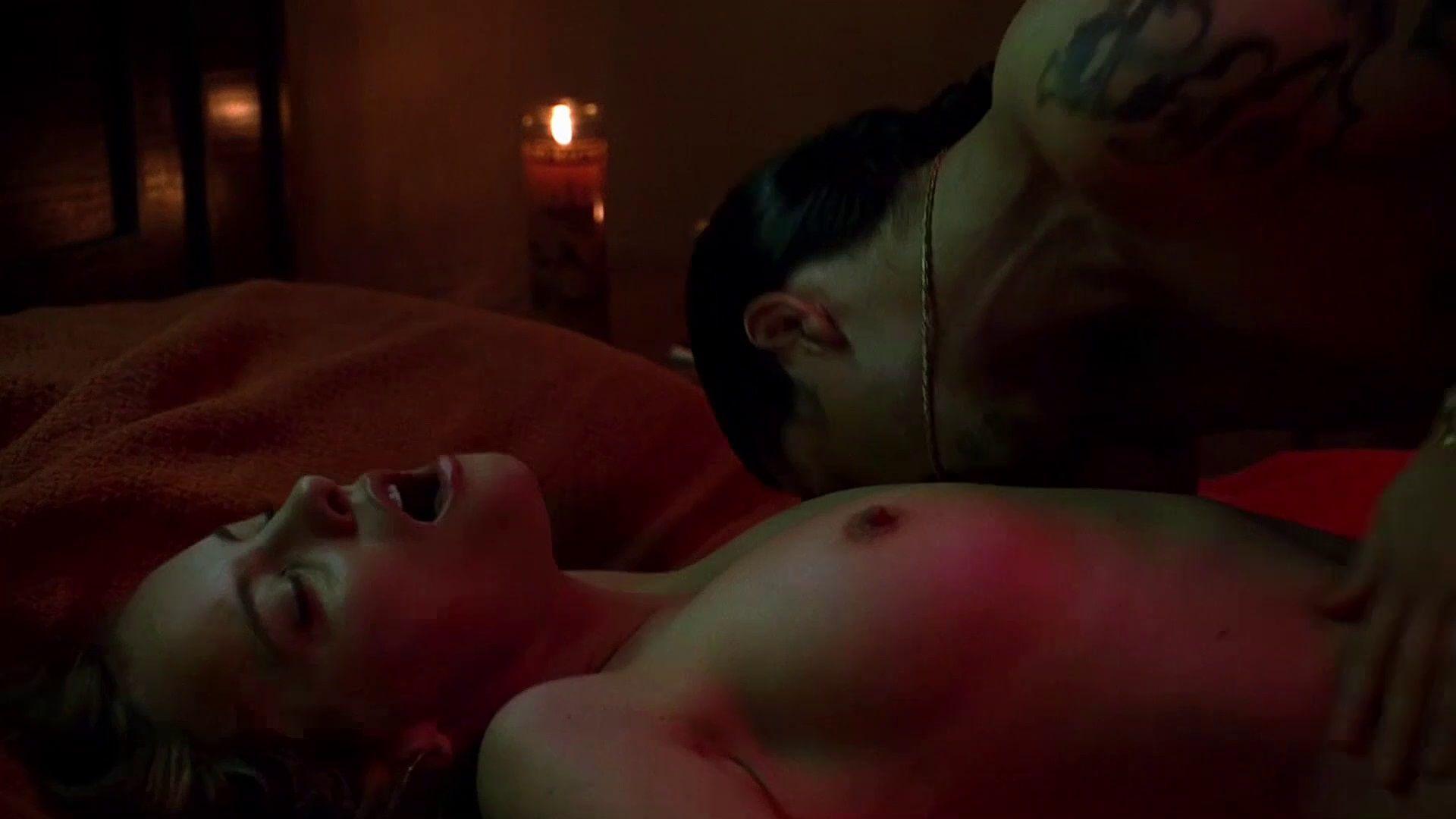 Anne Hathaway 02 15