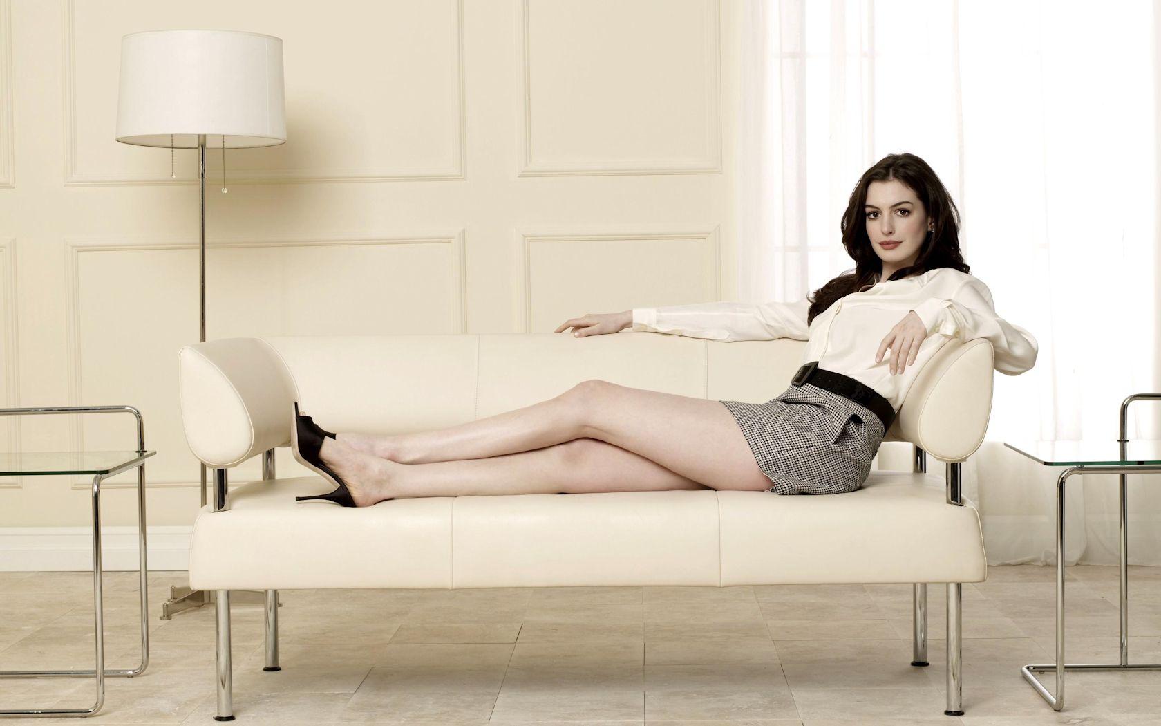Anne Hathaway 02 18