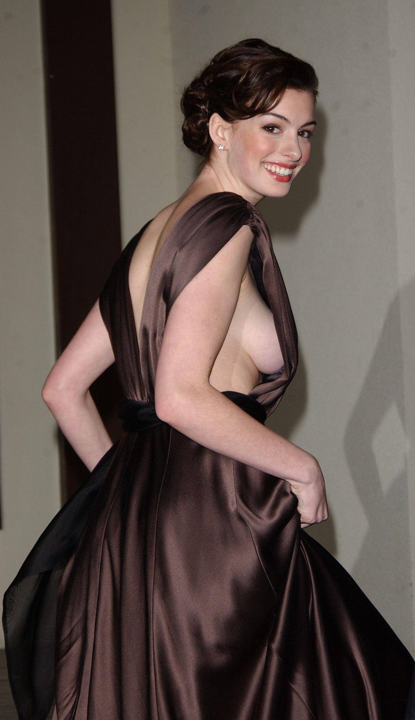 Anne Hathaway 02 19