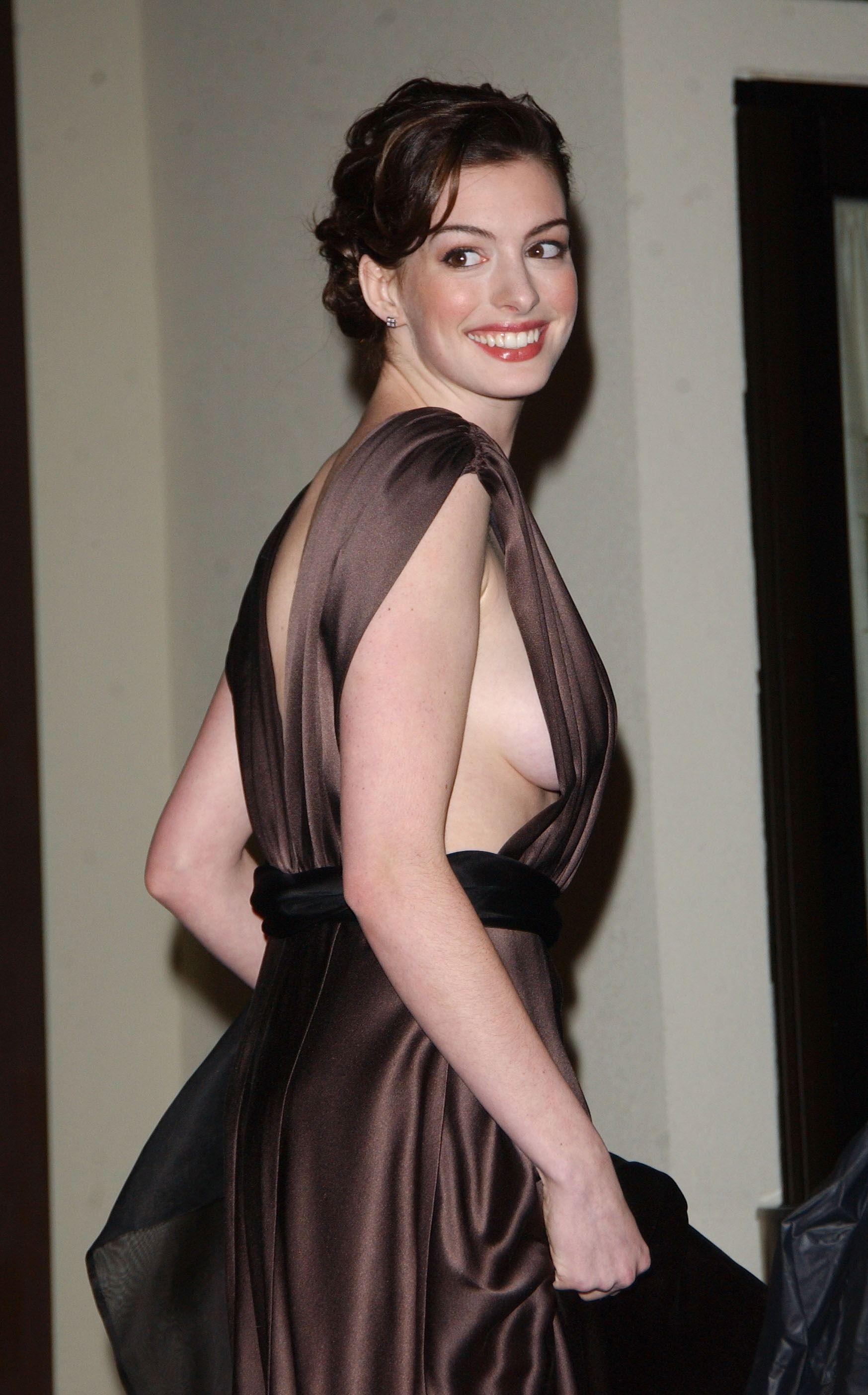 Anne Hathaway 02 20