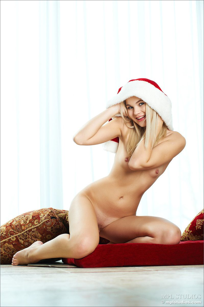MPL Studios - Talia - HOLIDAY CHEER 02