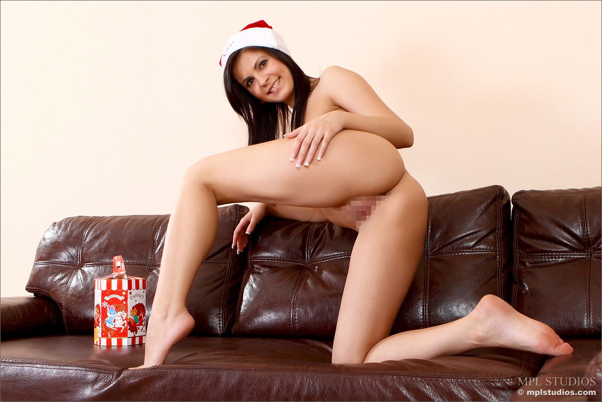 MPL Studios - Zelda B - TREATS FOR THE HOLIDAY! 02