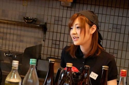 芸能界に憧れて上京の資金を稼ぐためにエッチなバイトに参加した天使すぎる居酒屋店員ななみちゃん。