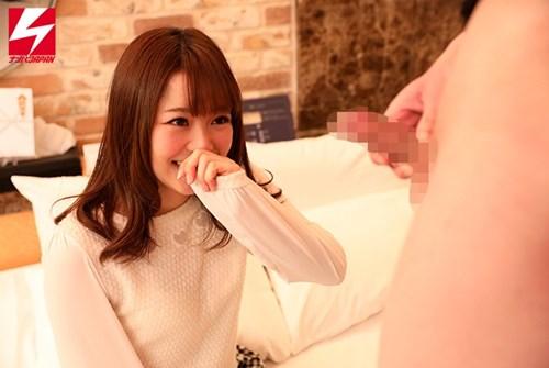 「女友達の前で5分以内にオナニーで射精出来たら3万円」のミッションに挑戦!密室二人きりで必死にシコる姿を見て…発情しちゃった女子。
